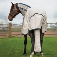 Horse wearing a Rambo rug with a Rambo Polycotton Tail bag